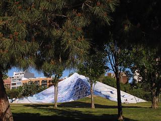 """Land art """"La piramide"""" de trancadis , pero en donde? * Parque de la Estación del Norte (Barcelona)"""
