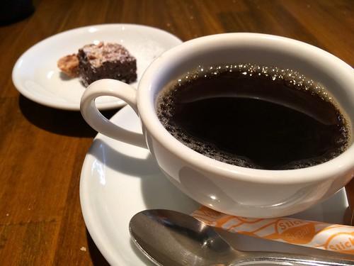 カフェと小菓子@プルーニャ