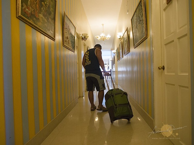 The author hauling his Osprey Shuttle in a hotel hall