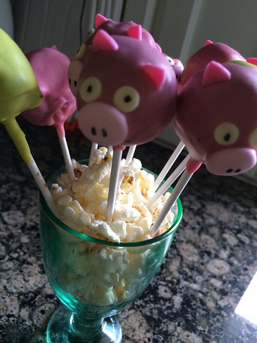 Pig cookie pops