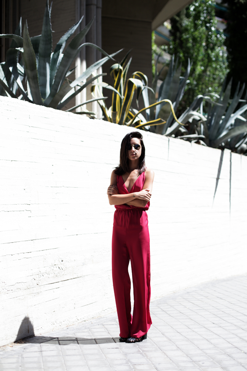 jumpsuit-gup-at-the-back-burgundy-004