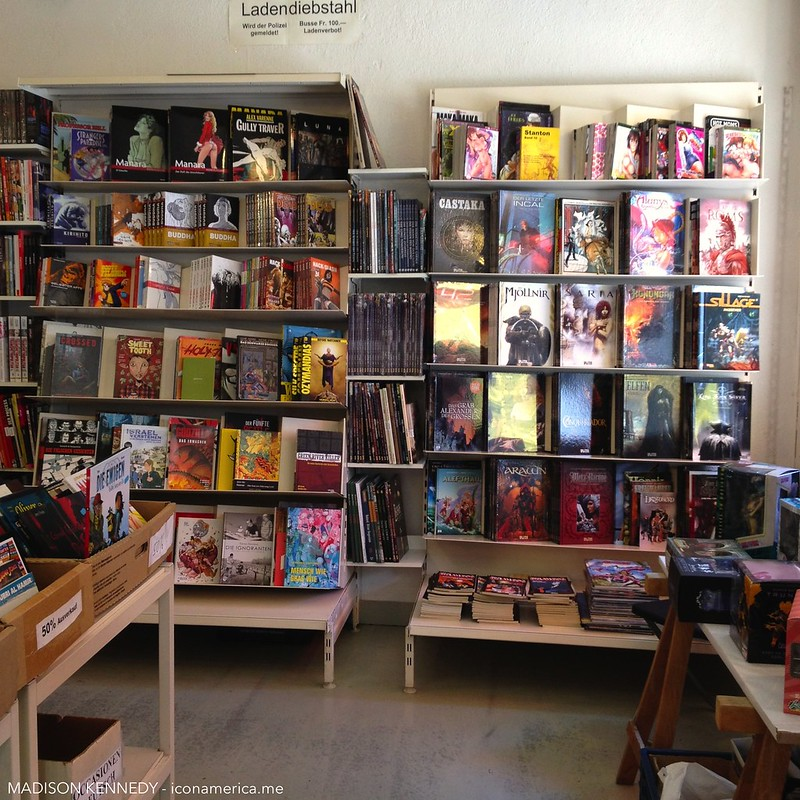 Analph, comic book shop