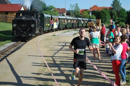 Je rychlejší běžec nebo lokomotiva? V Rakousku se utkali