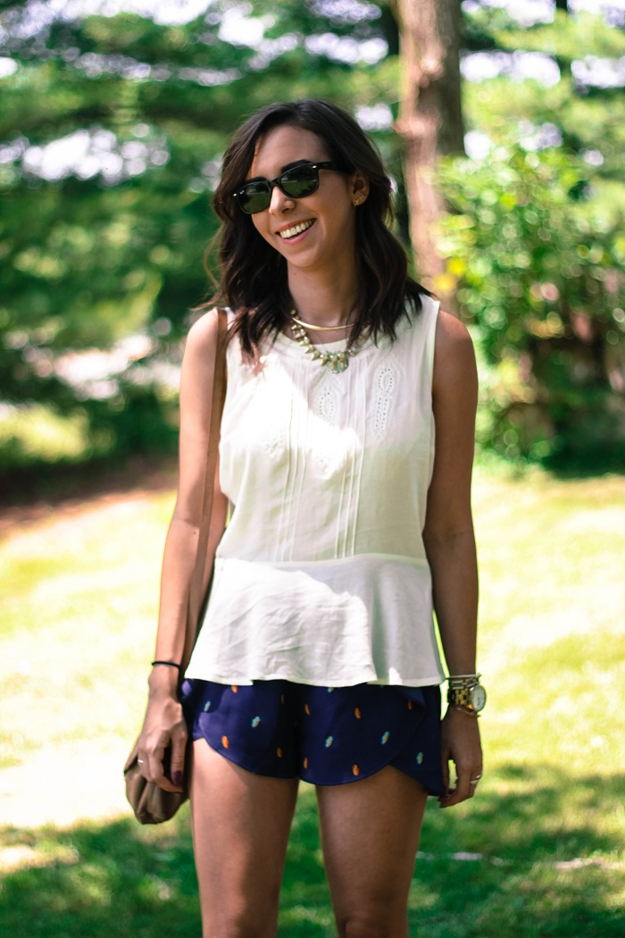 va darling. dc blogger. virginia personal style blogger. sheer white flowy summer top. flutter patterned bcbg shorts. leather oxfords. summer style 1
