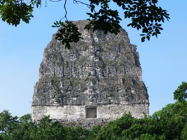 Cúspide del Templo V de Tikal (Guatemala)