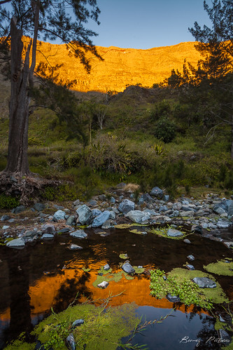 sunset nature sunrise canon reflections eos landscapes eau reflets paysages réunion eauxvives mafate waterscapes leverdujour 5dii bemezpictures