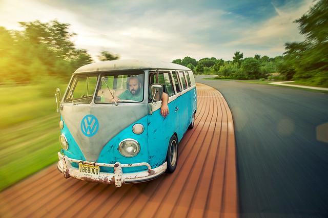 старый микроавтобус VW