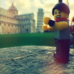 Clichè tourist shot at the leaning tower of #Pisa. #legopau #italy #tuscany