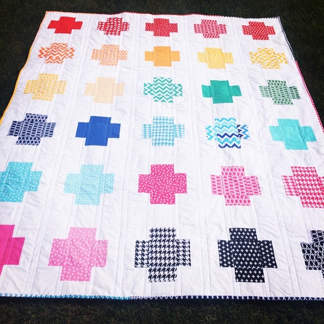 Rainbow @annkelle Crossing quilt complete!!! Tutorial on my blog. #quilting #babylocksewing