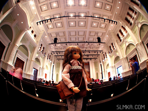 Mia admiring the hall