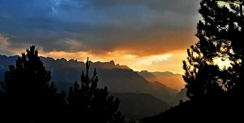 sunset mountains nature greece ηλιοβασίλεμα epirus ελλάδα φύση pades βουνά ήπειροσ γκαμήλα τύμφη πάδεσ ηπειρώτικα pádes