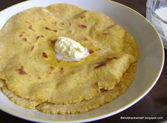 Makai-ki-Roti - see here for the recipe: http://shobhavkamath.blogspot.in/2014/07/makai-ki-roti.html