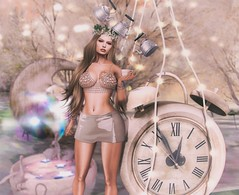 Alice in the Clock