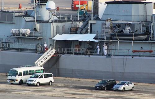 aruba boat oranjestad royal netherlands navy frigate hnlms