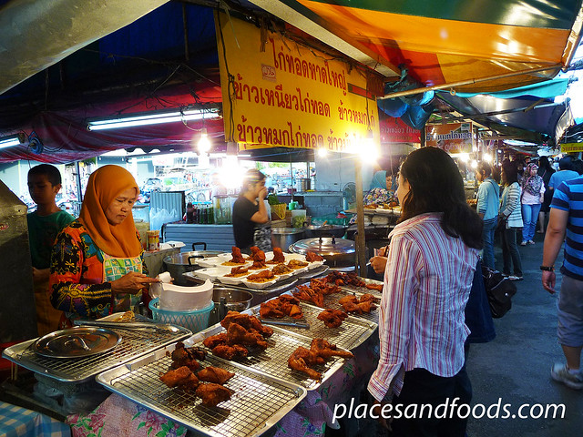hatyai asean night market fried chicken