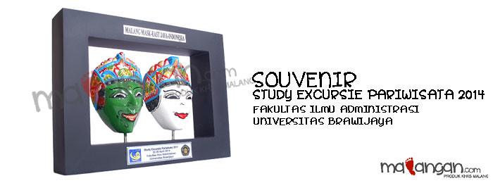 Souvenir: Study Excursie Pariwisata 2014 Fakultas Ilmu Administrasi Universitas Brawijaya