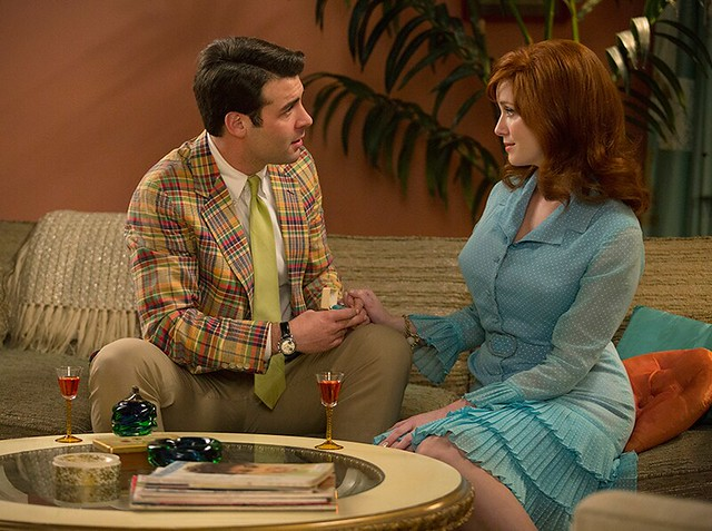 Bob Benson proposes to Joan on her couch