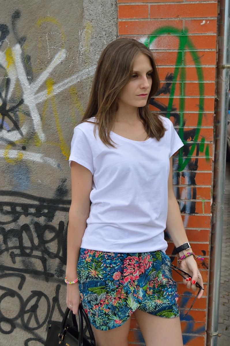 lara-vazquez-madlula-colorfl-skirt-spring