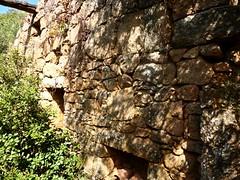 Hameau de Pruna : l'intérieur de la 1ère grande maison ruinée
