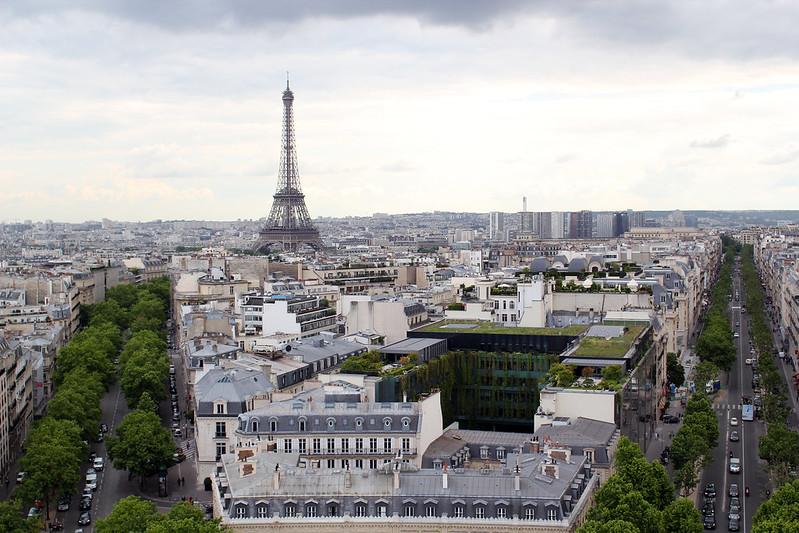 Vue sur Paris depuis l'Arc de Triomphe