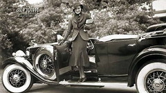 Joan Crawford in her 1932 Cadillac ... an Atridim WIDESCREEN Restoration