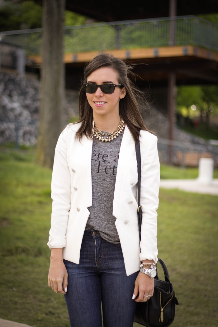 va darling. dc blogger. virginia personal style blogger. white blazer. joes jeans. black booties. graphic tee. layered gold necklace. rayban wayfarer. casual style 4