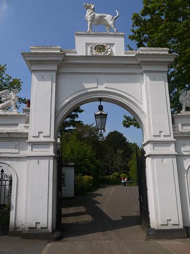 Bourne Hall Park