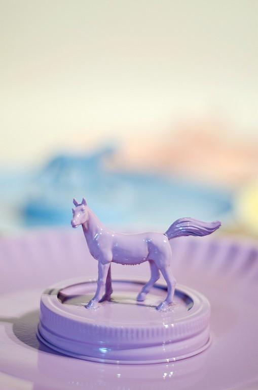 http://masonjarcraftslove.com/kid-gift-idea-animal-topped-mason-jar/?crlt.pid=camp.L6ZDGaMcvk8B