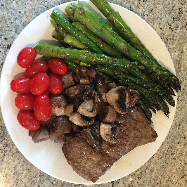 Day 1, #Whole30 - dinner (Roasted asparagus, sautéed mushrooms, broiled steak, & cherry tomatoes)