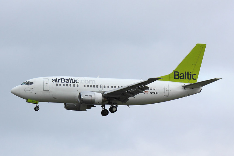 Air Baltic - B735 - YL-BBD (1)