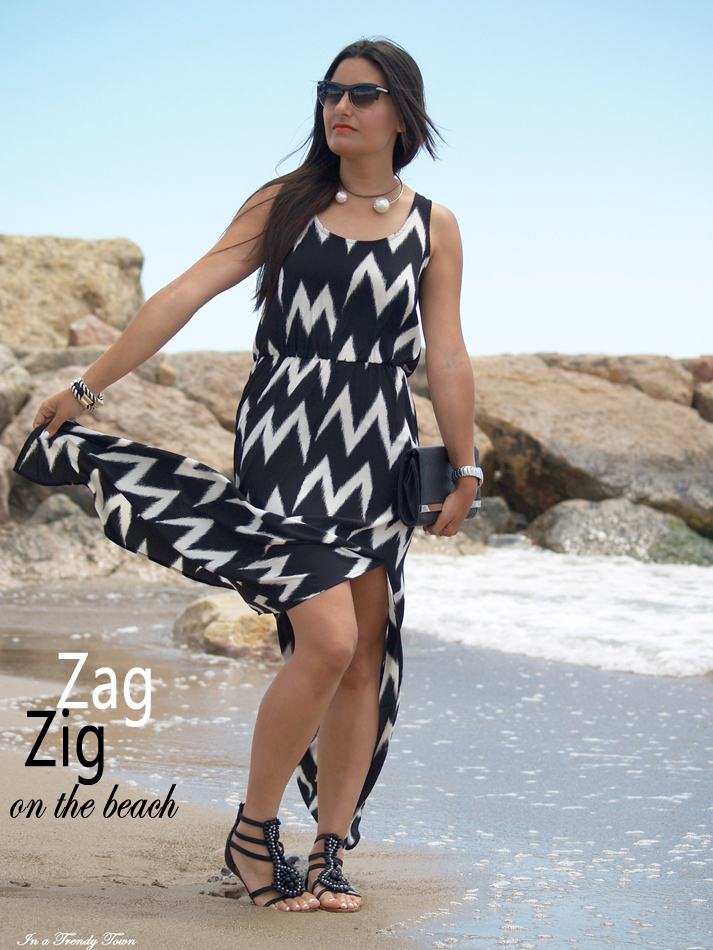 ZIG ZAG ON THE BEACH