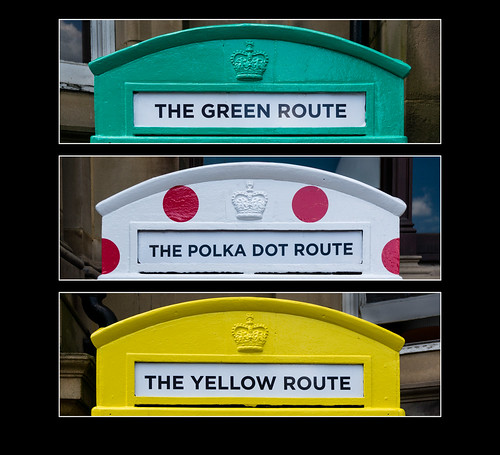 greatbritain red england colour green heritage yellow cycling triptych colours unitedkingdom yorkshire ngc leeds tourdefrance bikerace telephonebox polkadot urbanlandscape englishheritage telephoneboxes 2000views 3000views leedscity culturalicon granddepart july2014