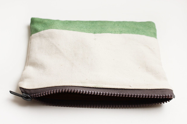 ziazia dip dyed pouch.