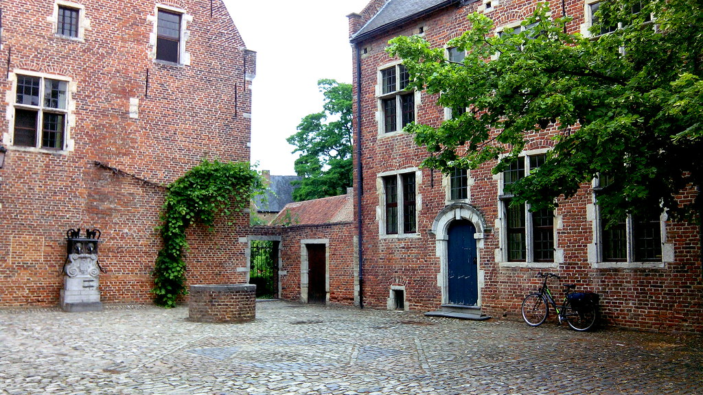 louvain-beguinage.jpg