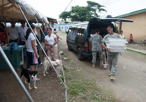 Pacific Partnership Veterinarians Respond to Rabies Endemic in Philippines