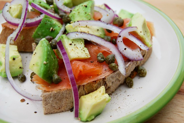 Smoked Salmon Tartine with Red Onion, Avocado and Capers 3