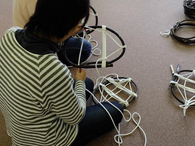 要所要所にロープがゆるまないよう工夫がされていることを実感しながら作業を続ける.