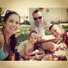 Picnic at the farm! #familytime #picnic #joy #gratitude  #100happydays #day88