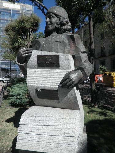 Monumento a Carmen Martín Gaite