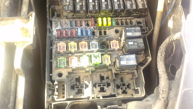 Ford Fiesta Fuse Box Location 2011 : Fiesta corroded fuse box page