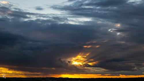 light sunset ray dusk iowa dubuque sunbeam sdgiere