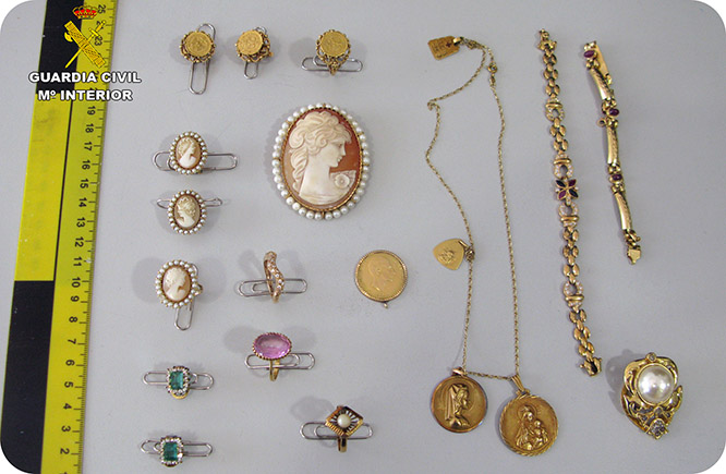 Detienen a una empleada doméstica por la sustracción de 60.000 euros en joyas