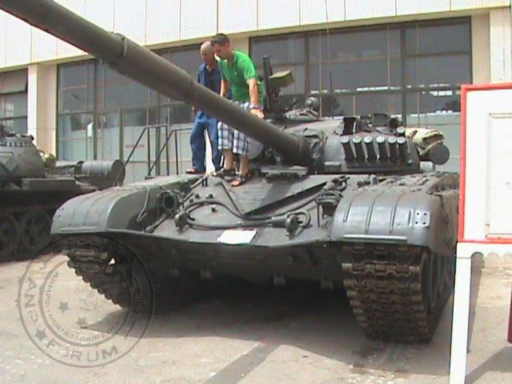 صور دبابات قتال رئيسية الجزائرية T-72M/M1/B/BK/AG/S ] Main Battle Tank Algerian ]   - صفحة 4 33146460243_5ae41f5111_o