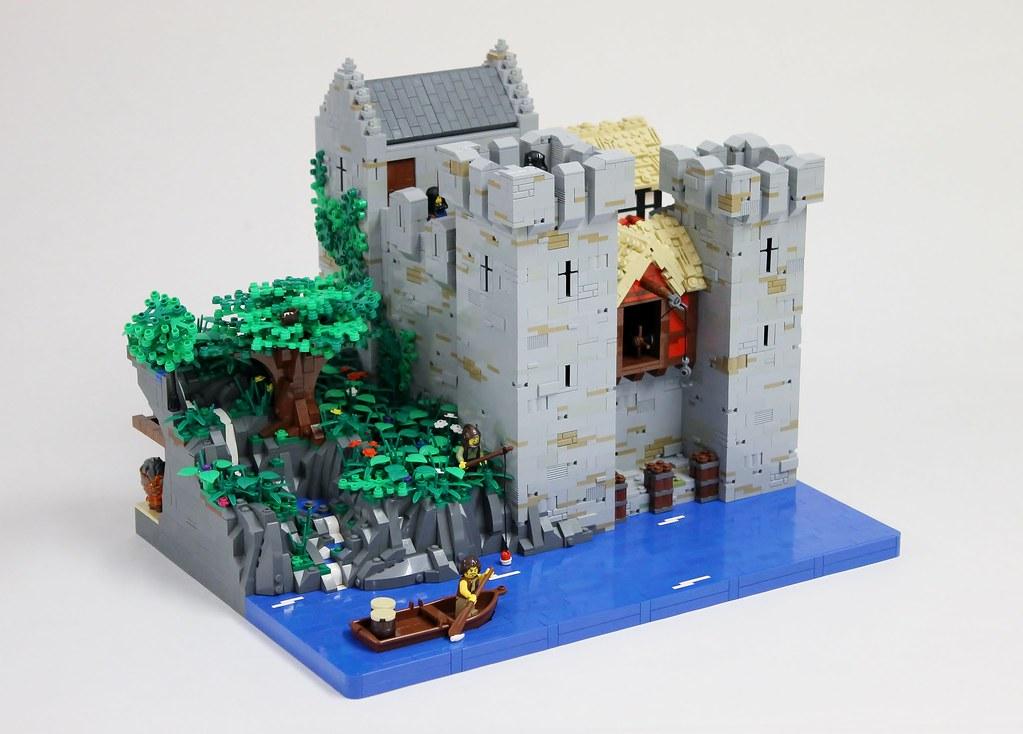 Waelras Castle (custom built Lego model)