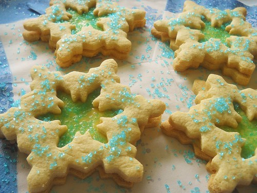 Lemony Linzer Snowflake Cookies #FrozenParty
