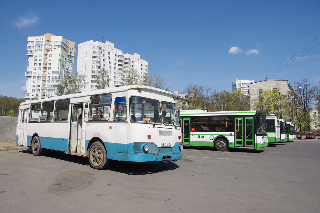 LiAZ-677 Moscow fantrip _20140427_029