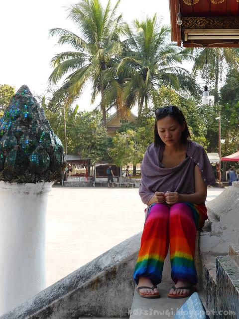 Wat Xieng Thong 02 Cheryl Rainbow Hammer Pants