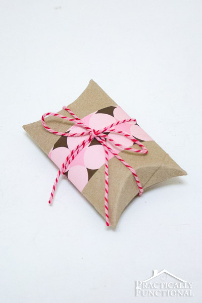 http://practicallyfunctional.com/diy-valentines-pillow-boxes/