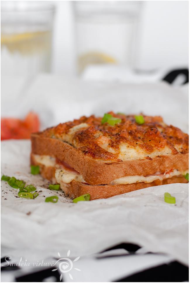Karšti sumuštiniai su kumpiu ir sūriu (1)