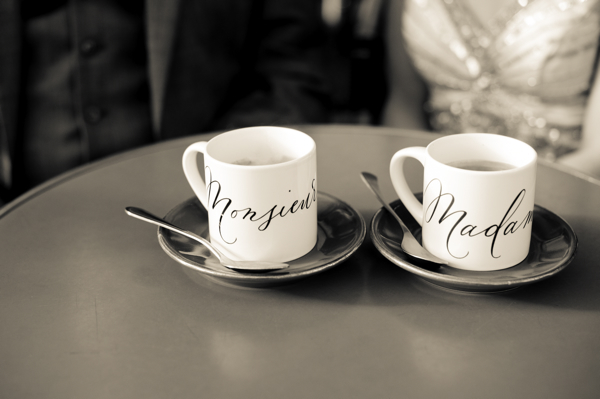 Monsieur Madame Wedding Cups :: Lettering Hello Framboise :: Photo Juliane Berry